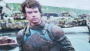 """Post image for Theon Greyjoy warns UK government against using EU nationals as """"negotiating cards"""""""