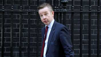 Michael Gove drinks and gossips