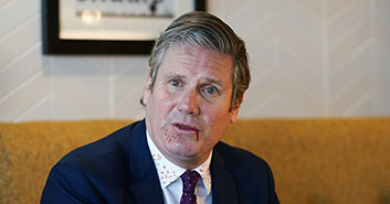 Keir Starmer cuts out own tongue